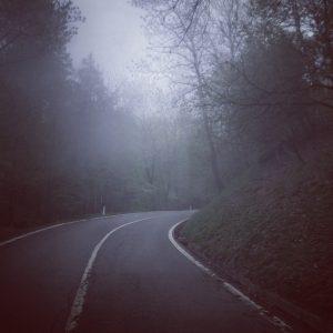 pedalare, all'alba su strade nuove