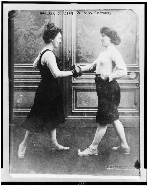 Bain Collection - Library of Congress 1912 Fraulein Kussin and Mrs. Edwards boxing